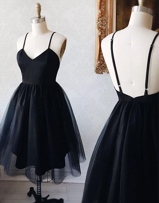 Black V-neck Backless Straps Tulle Homecoming Dresses