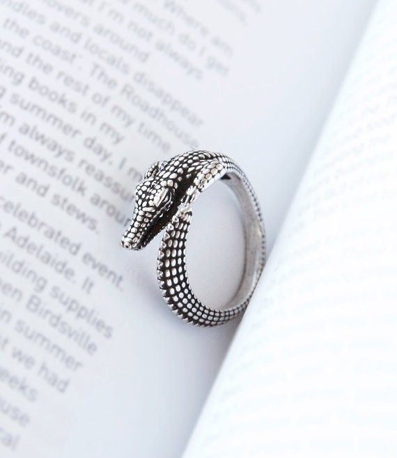 Fashion Wild Crocodile Animal Wrap Rings