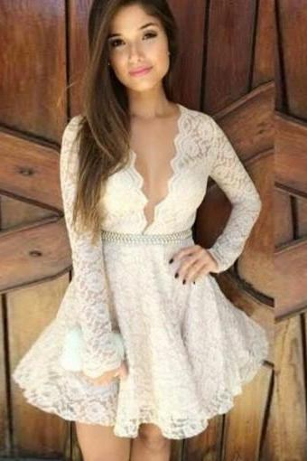 White Lace Applique V-neck Long Sleeve Beading Short Homecoming Dresses