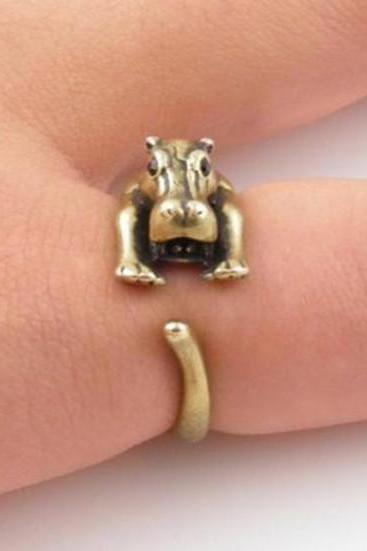 Retro Adjustable Hippo Animal Wrap Ring